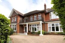 6 bedroom Detached home in Home Park Road...