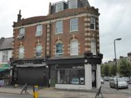 2 bedroom Flat in Durnsford Road...