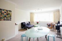 2 bedroom Flat to rent in Lansdowne Road...