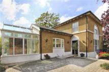 4 bed Detached house in Clifton Road...
