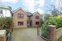 4 bedroom Detached home in Cottenham Park Road...