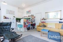 1 bedroom Flat for sale in Mortimer Crescent...