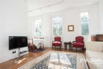 Flat in Platts Lane, Hampstead...