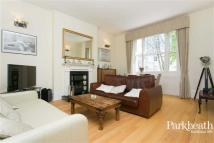 2 bedroom Flat in Priory Road...
