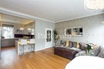 Flat in Cotleigh Road...