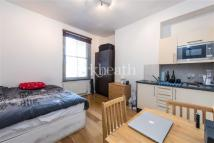Flat to rent in Fernhead Road, Kilburn...