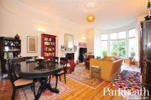 Apartment in Belsize Park...