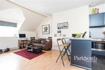 Flat to rent in Belsize Avenue...