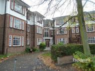 Flat in Howitt Road, London