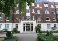 Flat to rent in Belsize Grove...
