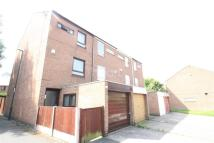 3 bed semi detached house to rent in Cheyny Close