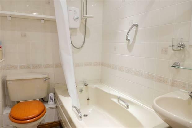 Jasmine Cottage Bathroom