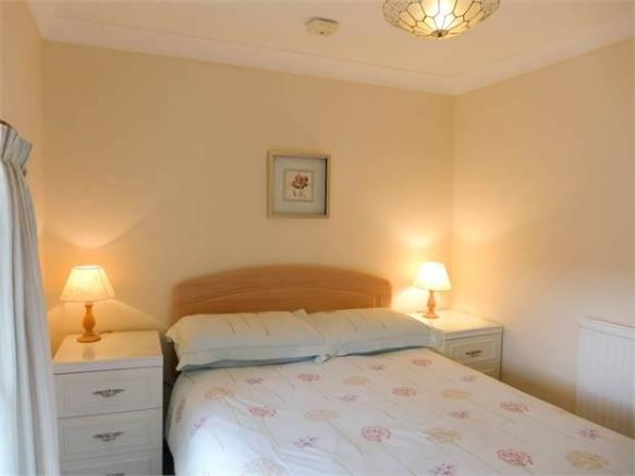 Lavender Cottage Bedroom 1