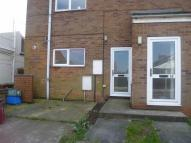 Flat to rent in Glanville Avenue...