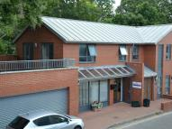 2 bedroom Flat to rent in Brook House, Brook Road...