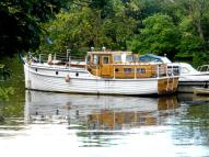 House Boat for sale in Swan Island...