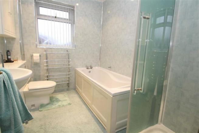 ENSUITE BATHROOM / W