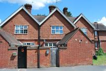 Apartment to rent in School Cottages, Mayford...