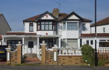 semi detached house in Enfield EN1
