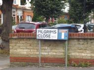 Flat to rent in Palmers Green, N13