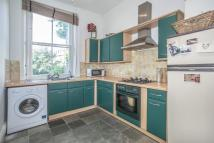 2 bed Flat to rent in Lower Addison Gardens...