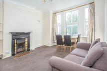 Flat to rent in Willcott Road, Acton...