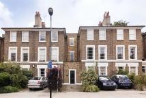 Apartment to rent in Navarino Road, Hackney...