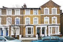 3 bedroom Flat to rent in Reighton Road, Hackney...