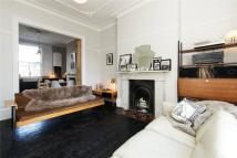 3 bedroom house to rent in Cecilia Road, Hackney...