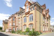 3 bedroom Apartment for sale in Lansdowne Drive, Hackney...