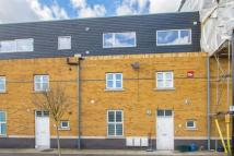 2 bedroom Apartment in Gransden Avenue, Hackney...