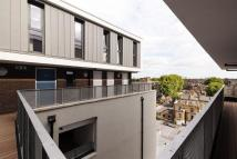 2 bed Terraced house in 31a Chatham Place...
