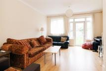4 bedroom home in Jacaranda Grove, Hackney...