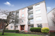 2 bed Flat for sale in 1/2, 334 Tantallon Road...
