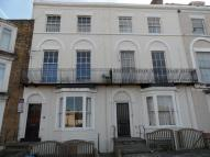 Studio apartment to rent in Zion Place, Cliftonville...