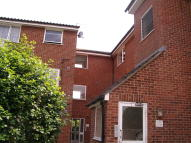 2 bed Flat in Swans Hope, Loughton...