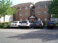 2 bedroom Flat to rent in Woodland Grove, Epping...