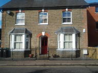 Apartment to rent in Hemnall Street, Epping...