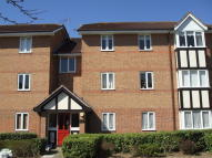 Flat in Woodland Grove, Epping...