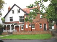 Flat to rent in Bath Road, Maidenhead...