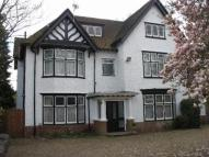 Flat to rent in Boyn Hill Avenue...