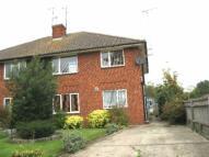 Maisonette to rent in Headley Road, Woodley...