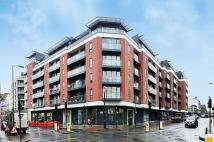 3 bedroom Flat in Lever Street...