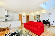 Flat to rent in Saffron Hill, Farringdon...