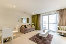 Flat to rent in City Road, Old Street...