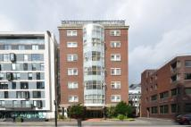 2 bedroom Flat in Aldersgate Lodge...