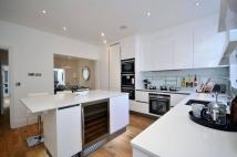 5 bedroom property in Frederick Street...