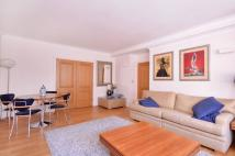 Flat to rent in Tudor Street, Farringdon...