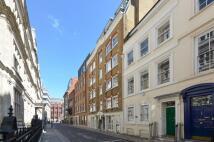Flat in Furnival Street, Holborn...