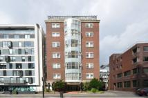 2 bed Flat to rent in Aldersgate Lodge...